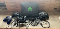 black Xbox 360 console with controller Joliet, 60435