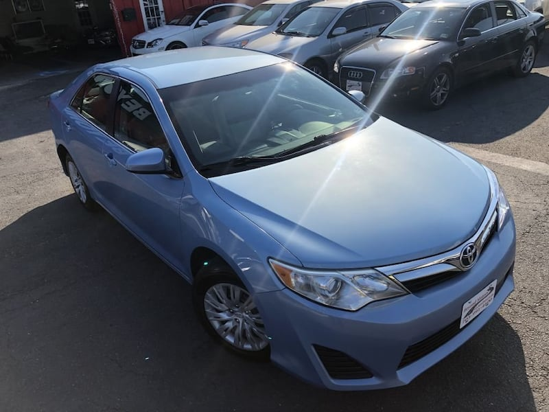 Toyota Camry 2012 c1df4672-a492-482d-8a87-1ce86bc9b6f1