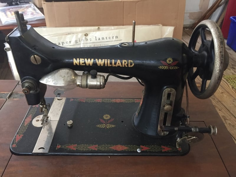 Used Antique new Willard sewing machine with cabinet (it ...