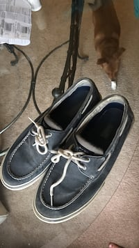 pair of black boat shoes Chattanooga, 37416