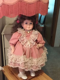 Woman in pink and gray dress doll Blaine, 55434