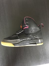 Air Yeezy 1 Size 9.5 Vancouver, V6M 1H5