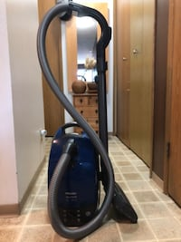 Miele S514 vacuum with power brush Vancouver, V5P
