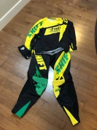 Dirt Bike Gear pants Jersey and gloves  Calgary, T2X 0N9
