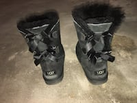 Black ugg boots with bows  Toronto, M6M 2H9