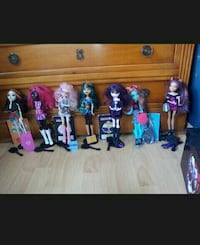 7 Monster High + boite