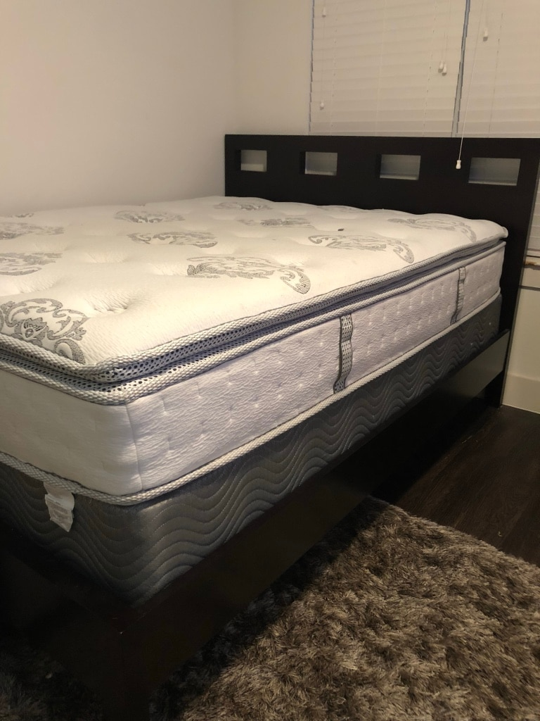 Used queen mattress Box Spring Varagesale Used Queen Mattress Set With Platform Bed For Sale In Plano Letgo