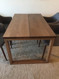 Oak dining table durable barely used  Silver Spring