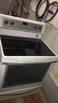 White and black induction range oven Montreal