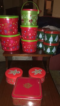 9 plastic cookie containers and 3 cookie tins Dillsburg, 17019