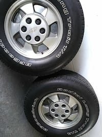 Set of 4 rims and tires Chevy Tahoe 2003 Melbourne, 32901