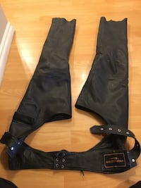 Ladies medium leather riding chaps  Airdrie, T4A 1N1
