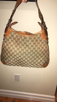 Gucci Hobo Bag New York, 11357