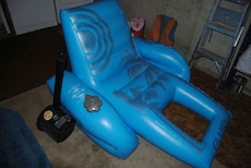 blue inflatable pool chair