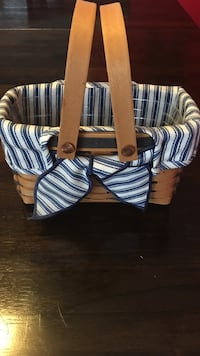 1998 longaberger basket. Blue/white stripe liner with protector. Great shape Harpers Ferry, 25425