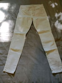White GUESS Brittany skinny jeans Size 29 Toronto