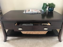 Excellent condition coffee table & 2 side tables