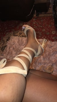 fashion nova heels size  10