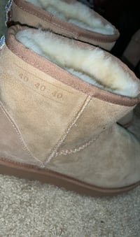 Limited Edition Ugg Boots Size 10 Virginia Beach, 23462