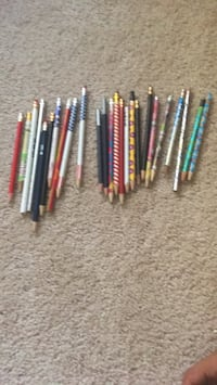 assorted color of pen lot Walled Lake, 48390