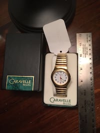 Gold BULLOVA watch like new condition.  Worn once or twice 37 km