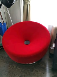 Red single seat ( like new ) Markham, L6B 1C9