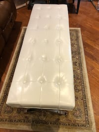 New white leather bench see pictures asking $250 contact  [TL_HIDDEN]  Toronto, M9V 4T4