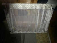 Pressure  mount  baby gate..as new firm price Corbyville, K0K 1V0