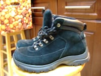 low suede winter boot size 8 M from Cougar,2206 Mississauga