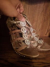 Gold Rhinestone Heels Size:8 Prom Shoes$4.00. New Castle, 19720