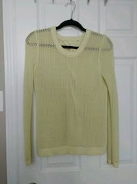 women's white knitted sweater London, N6J 2N4