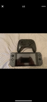 Hacked SWITCH AND PRO CONTROLLER BOTH MINT CONDITION New York, 11218