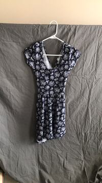 women's gray and white floral sleeveless top Ijamsville, 21754