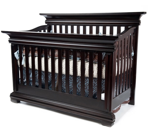 Munire Majestic Flat Top Convertible Crib Toddler Bed