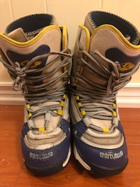 SNOWBOARD BOOTS SIZE 8.  BRAND THIRTY TWO Toronto, M1S 1V9