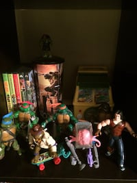 Selling my vintage ninja turtle figure from the 80s/ 90s all in great condition