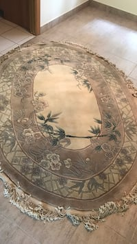 Round brown and green floral area rug Hand mad 100% wool  Bois-des-Filion, J6Z