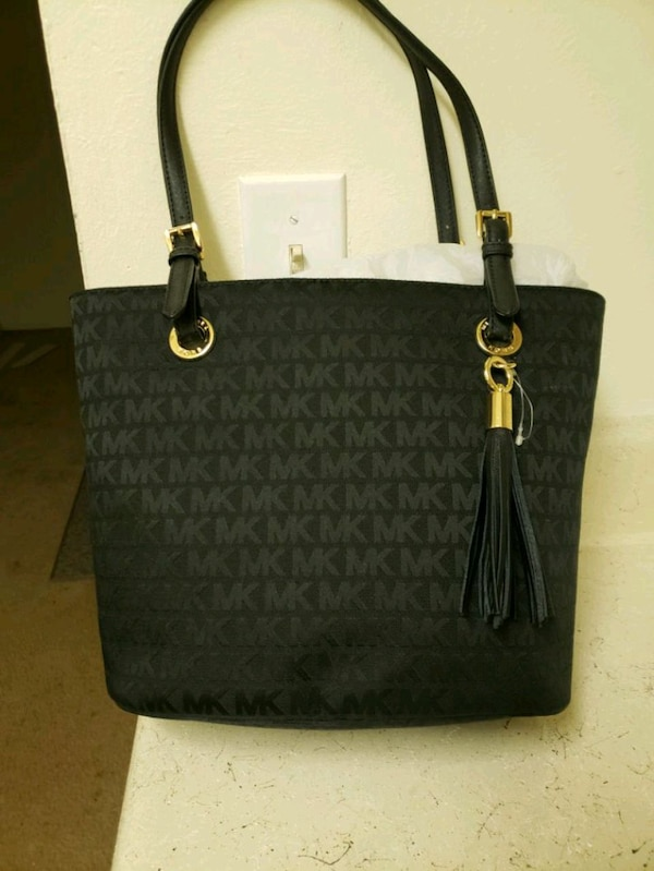 bb40c4803d3b5 Used New authentic Michael Kors Purse for sale in Charlotte - letgo