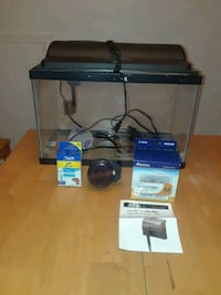 10 gallon fish tank with accessories Indian Head, 20640