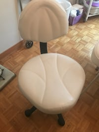 Airlift Manicure Chair Laval, H7W 1P2