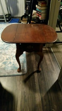 Table Franklin, 37064