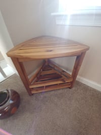 brown wooden 2-layer table Norfolk, 23507