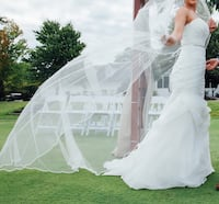 Women's white tube wedding dress and white veil Manassas, 20111