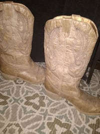 Cowgirl Boots size 8 Abingdon, 24210