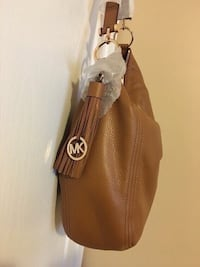 Michael kors handbag brand new with tag Great for Christmas gift  Toronto, M9M 2T1