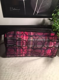 New With Tag  100% Authentic COACH Cosmetic Bag SCHERTZ