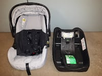 baby's black and gray car seat carrier Toronto
