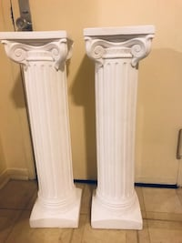 """Pair of new columns 35"""" tall I have many items available for sale click on my profile picture for more listings pick up in Gaithersburg md 20877 Gaithersburg"""