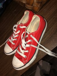 Red converse youth size 3 Pickering, L1X 2T8