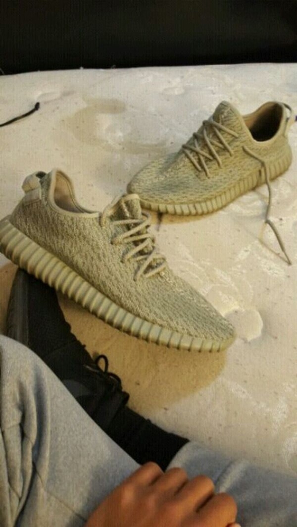 74b3a5d17 Used pair of Adidas Yeezy Boost 350 v2 for sale in Winchester - letgo